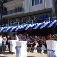 Foto tomada en Efes Beer Cafe Shiva por Serdar U. el 6/21/2013