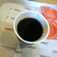 Photo taken at DUNKIN' DONUTS by 심량 on 11/18/2012