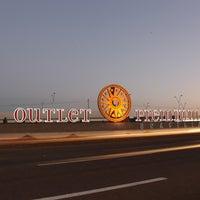 Das Foto wurde bei Outlet Premium Brasília von Outlet Premium Brasília am 7/22/2014 aufgenommen