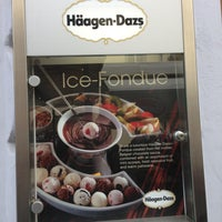 Photo taken at Häagen-Dazs by Элина on 5/9/2013