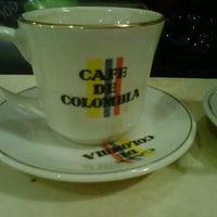 Foto scattata a Conde De Medellin Especiality Coffees México da Ichie il 11/20/2013