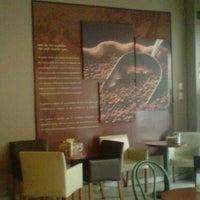 Photo taken at Café Emir by Ichie on 8/17/2013