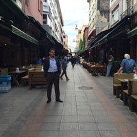 Photo taken at 110 Kadıköy - Taksim by Hakan on 5/26/2016