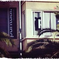 Foto tomada en Puntual Comunicación y Marketing por NaiaRa B. el 8/9/2013