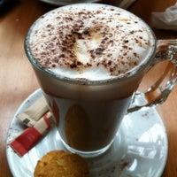 1/3/2013 tarihinde Nurdanziyaretçi tarafından Cafe Cafe'de çekilen fotoğraf