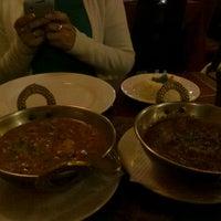 Photo taken at Guru Kebab y Curry by Rosita C. on 10/26/2012