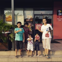 Photo taken at McDonald's by Anwar F. on 7/9/2016