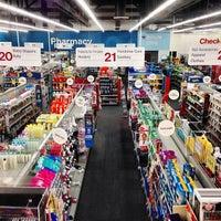 Foto tomada en CVS/pharmacy por Kristin S. el 9/4/2013