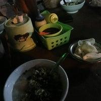 Photo taken at Bubur Ayam Jakarta Mang Dudung by Ainul Fuadi M. on 1/16/2018