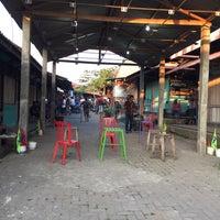 Photo taken at Pasar Burung Muntilan by Yopie P. on 9/14/2017