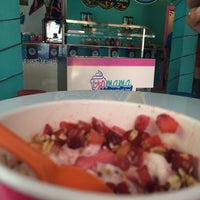 Photo taken at Yo Mama's Frozen Yogurt by Tatiana R. on 9/28/2014