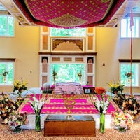 Photo taken at Sri Guru Singh Sabha Glen Rock Gurdwara by Jinny K. on 8/2/2015
