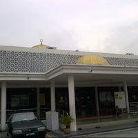 Photo taken at Masjid Al-Mujahideen by M Kamil A. on 11/22/2012