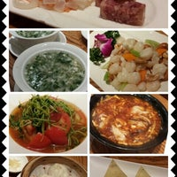 Photo taken at Xia Fei Shanghainese Restaurant 霞飛點心拉麵 by Wendy on 7/21/2013