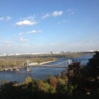 Снимок сделан в Владимирская горка пользователем Галченок;) 10/6/2012