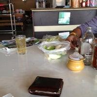 Photo taken at ร้านอาหาร เจ้ อร by ภาคิน on 9/23/2012