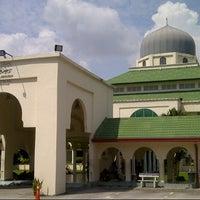 Foto scattata a Masjid al-Hasanah مسجد الحسنة da Abdul K. il 12/12/2012