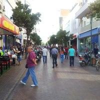 9/21/2012 tarihinde Tanerziyaretçi tarafından Uzun Çarşı'de çekilen fotoğraf