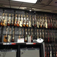 Photo taken at Guitar Center by Lynn F. on 8/29/2013