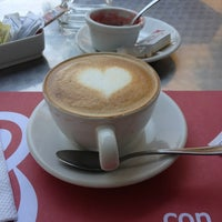 Photo taken at Con Sabor a Café by Oscar N. on 5/18/2013