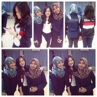 Photo taken at Gedung Biomedik Fakultas Kedokteran by Janice V. on 11/14/2014