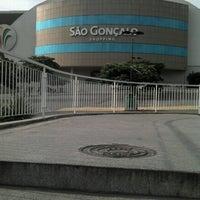 Foto tirada no(a) São Gonçalo Shopping por Lipe L. em 2/16/2013