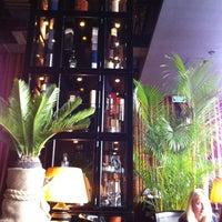 5/24/2013 tarihinde Владаziyaretçi tarafından Mandarin Bar'de çekilen fotoğraf