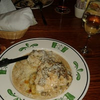 Photo taken at Olive Garden by Carito D. on 7/17/2013
