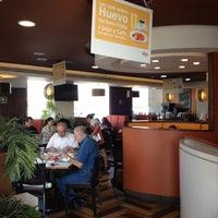 Photo taken at Vips by Eduardo C. on 11/17/2012