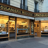 Photo taken at Boulangerie Moderne by Jaspère on 9/22/2015