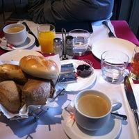 Photo taken at 溫德德式烘焙餐館 Wendel's German Bakery & Bistro by Jaspère on 2/16/2013