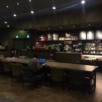 Photo taken at 星巴克 Starbucks by Jaspère🍡 on 2/2/2016
