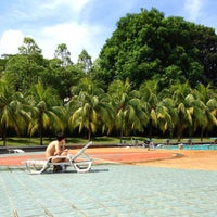 Photo prise au Yio Chu Kang Swimming Complex par R L. le5/4/2013