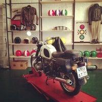 Снимок сделан в Мотокафе «Энтузиаст» пользователем Вова 5/17/2013
