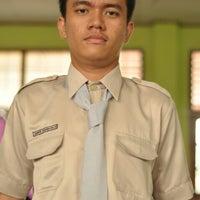 Photo taken at SMA Negeri 1 Pekanbaru by Samuel S. on 10/27/2012