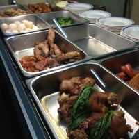 Photo taken at Senior Cafeteria l โรงอาหารมัธยมปลาย by คุณ ท. on 10/29/2012