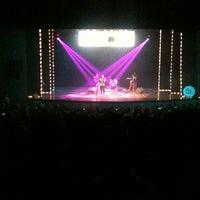 Das Foto wurde bei Centro Teatral Manolo Fábregas von Ana Lilia B. am 12/9/2012 aufgenommen