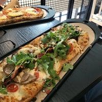 Foto tirada no(a) &pizza por Saeed em 5/5/2018