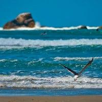 Foto tirada no(a) Praia da Ribanceira por Greyce d. em 1/15/2013