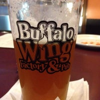 Foto scattata a Buffalo Wing Factory da Mark il 6/30/2014