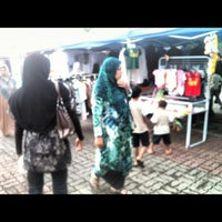 Photo taken at Sec13 Car Boot Sale by DD7 on 11/11/2012