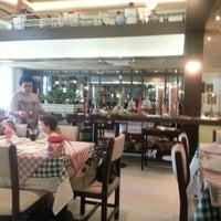 Foto tirada no(a) Cantina di Napoli por Leiria A. em 10/21/2012