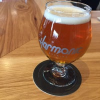 Photo taken at Harmonic Brewing by Rey F. on 4/9/2017