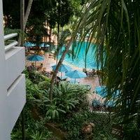 Photo taken at AVANI Pattaya Resort & Spa by Kim H. on 12/10/2011