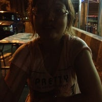 Photo taken at ร้านป้าอ้อย-ลุงเหี้ย ใต้สะพานลอย by MaMeioW N. on 5/20/2012