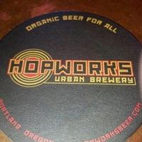 Foto tirada no(a) Hopworks Urban Brewery por Kenny A. em 9/23/2012