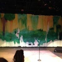 7/1/2014 tarihinde Jeffziyaretçi tarafından Anacostia Playhouse'de çekilen fotoğraf