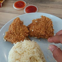 Photo taken at KFC by Imin H. on 2/1/2017