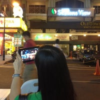 Photo taken at Seasons View Htl @ Jalan Alor by Suzy Y. on 10/7/2012