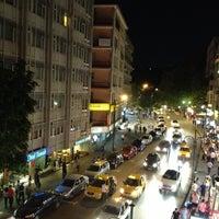 7/20/2013 tarihinde Özgür Muratziyaretçi tarafından Tunalı Hilmi Caddesi'de çekilen fotoğraf